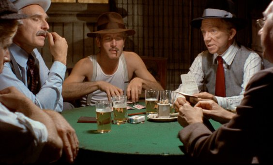 Muži hrajú poker snímka z filmu