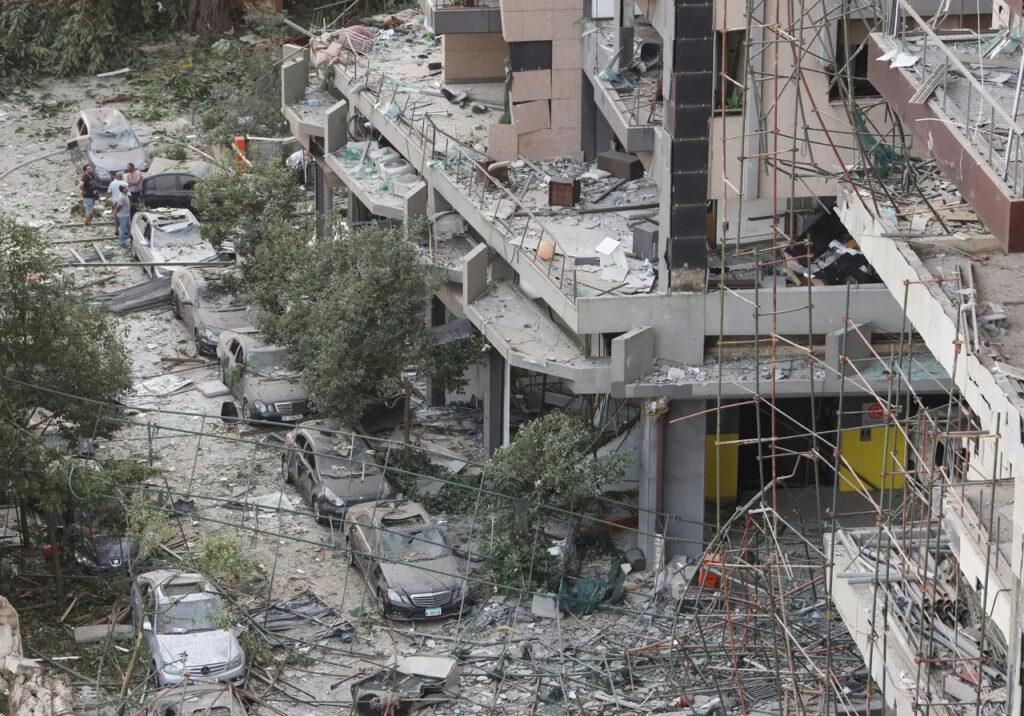 Zničená ulica v Bejrúte, Foto: Aziz Taher, Reuters