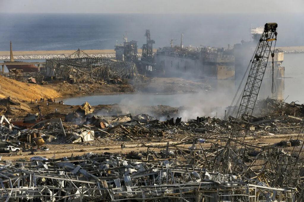 Zaber na miesto výbuchu, Foto: Bilal Hussein, ČTK/AP