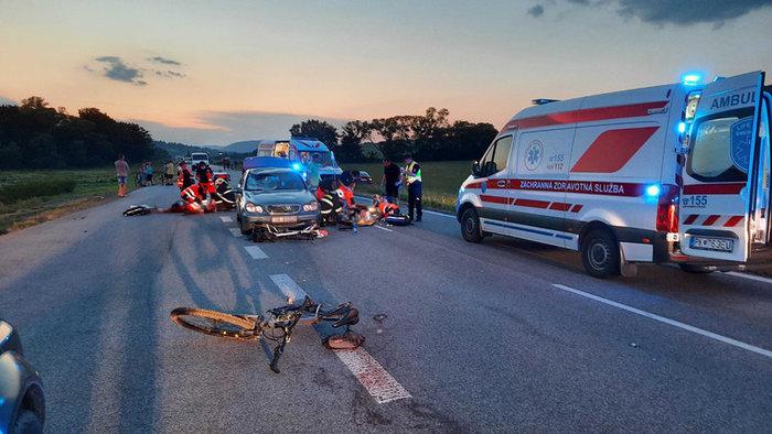 Zrážka cyklistov, fotografia z mieste nehody, Zdroj: TV Markíza