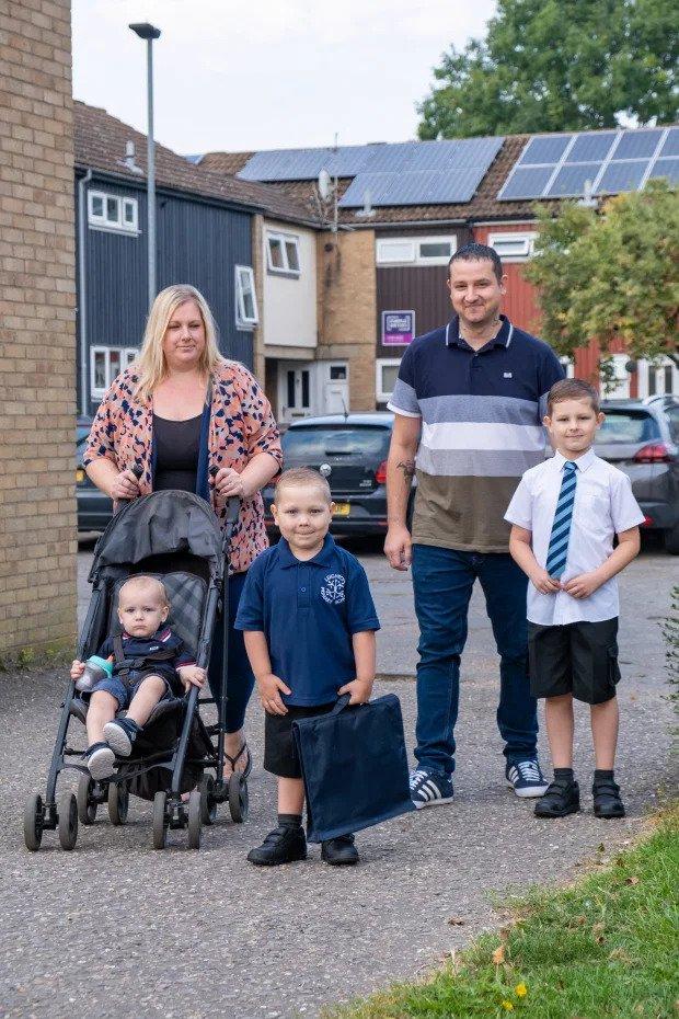 Malý Josh s celou rodinou