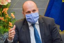 Photo of Minister obrany SR Jaroslav Naď POÚČA PREZIDENTKU Zuzanu Čaputovú