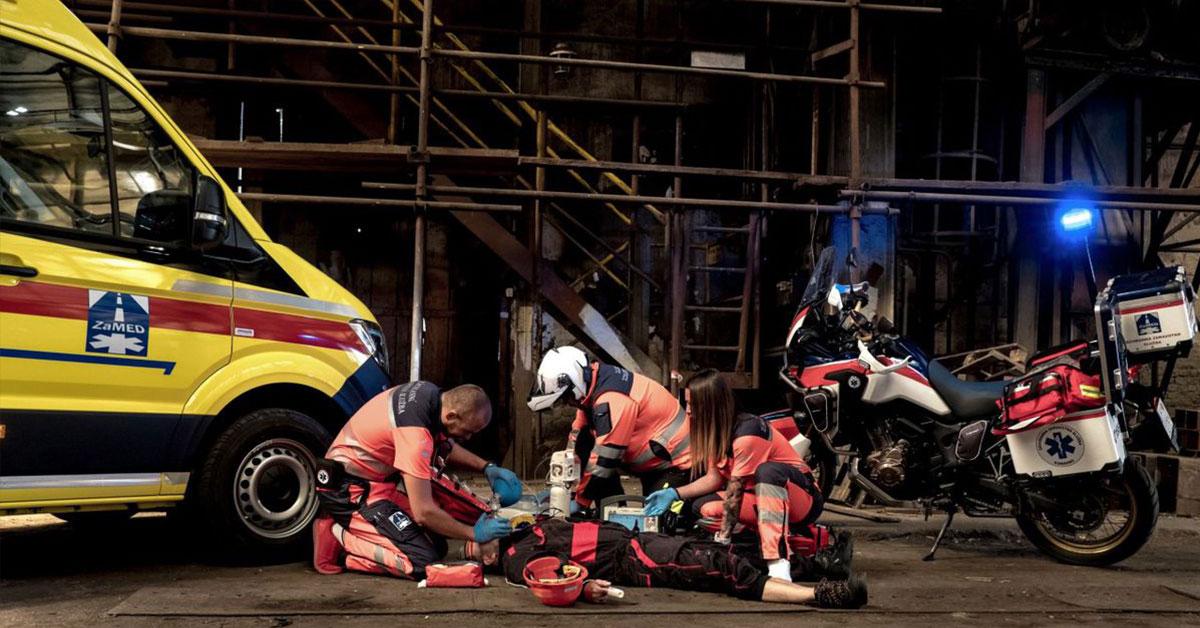 Záchranárska akcia: Motocykel a sanitka