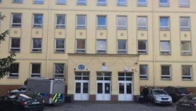 Photo of Žiačka základnej školy v Kladne († 15) spadla z okna a na mieste zomrela